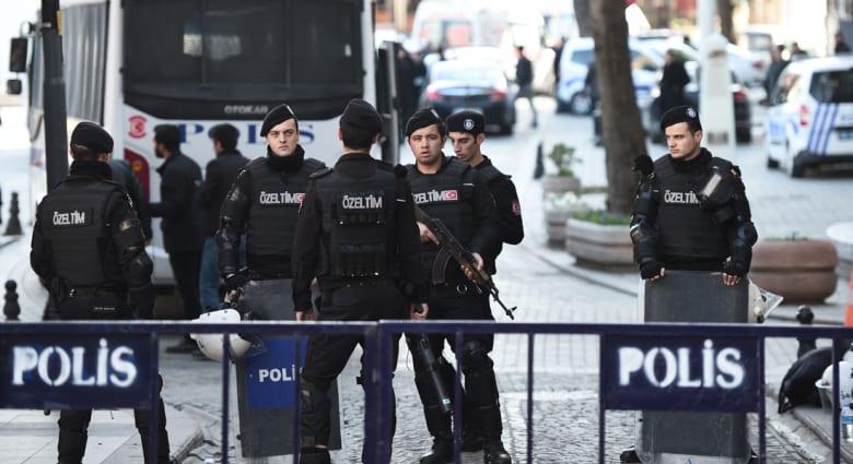 """أردوغان: منفذ تفجير ساحة """"السلطان أحمد"""" سوري الجنسية.. ونائب رئيس الوزراء: أغلب الضحايا من الأجانب"""