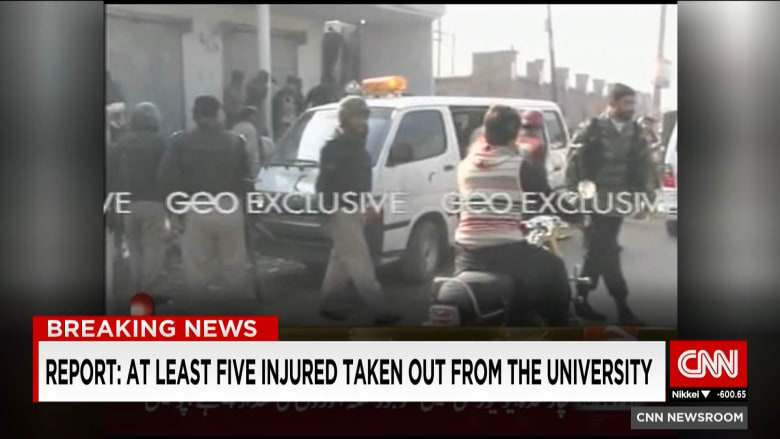حركة طالبان الباكستانية تؤكد لـCNN مسؤوليتها عن هجوم جامعة باشا خان.. والجيش الباكستاني: مقتل 4 مهاجمين وتوقف إطلاق النار