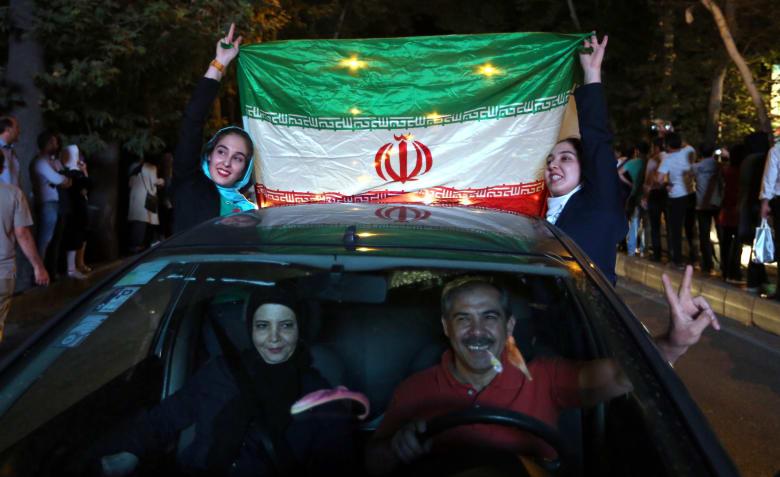 رأي: إيران تسعى لتصدير ثورتها الإسلامية.. وعلى أمريكا وحلفائها خلع قفازات الدبلوماسية وردع طهران عن نشر الفساد في الشرق الأوسط