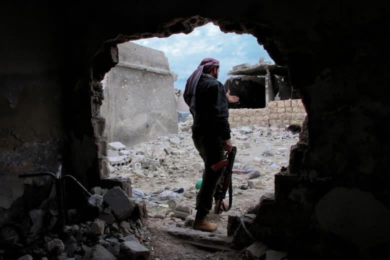 الجيش السوري يسيطر على مناطق استراتيجية في حلب ولافروف لا يرى سببا لوقف الغارات الروسية في سوريا