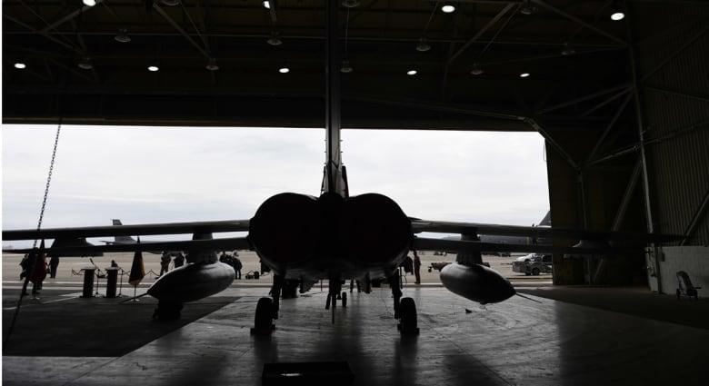 """مصدر لـCNN: السعودية ترسل مقاتلات إلى قاعدة تركية.. وسفينة روسية محملة بصواريخ """"كاليبر"""" تتجه إلى سوريا"""