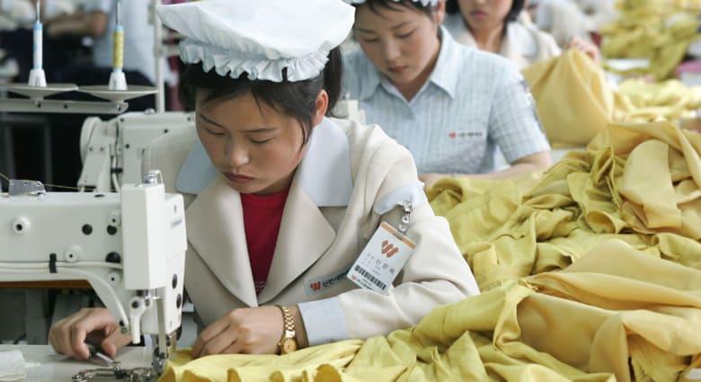 كوريا الجنوبية تتهم جارتها الشمالية باستخدام أجور عمال لشراء الأسلحة