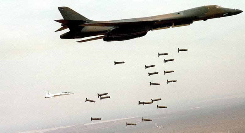 أمريكا تسحب طائرات B-1 القاذفة من معركتها في سوريا والعراق ضد تنظيم داعش