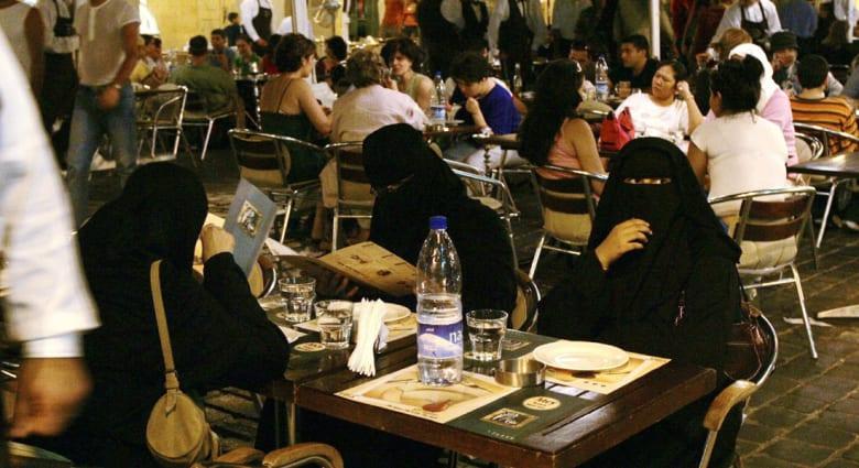 مصدر بخارجية السعودية: المملكة تطلب من رعاياها المقيمين والزائرين بلبنان المغادرة