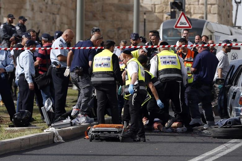 الشرطة الإسرائيلية تقتل فلسطينيين بعد مطاردة سيارتهما