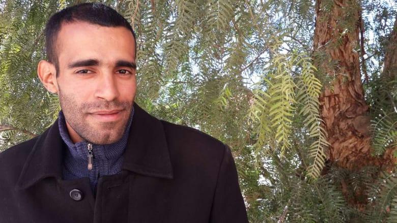 أمين ودة.. شاب جزائري من بلدية نائية يتقن الحديث بـ33 لغة