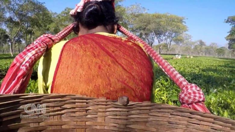 """خداع ووعود بالمال.. وراء """"استعباد"""" فتيات الهند وعملهن في تجارة الجنس"""