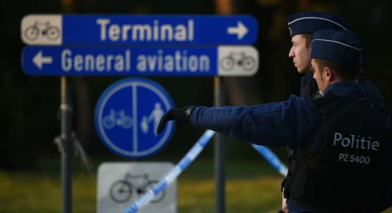 مصادر أمريكية لـCNN: المشتبه بهم بتفجيرات مطار بروكسل وصلوا بسيارة أجرة وأحدهم تجول وغادر