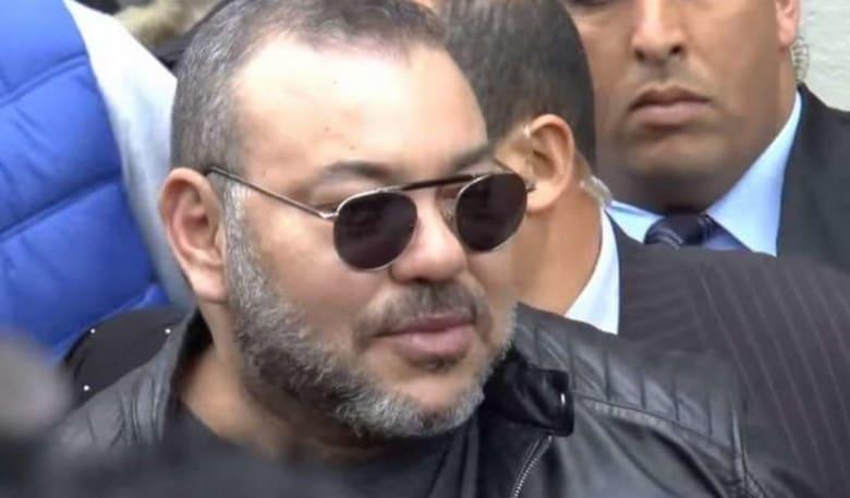 بالفيديو.. مغاربة يبحثون عن نصف فرصة لاقتناص صورة مع ملكهم في هولندا