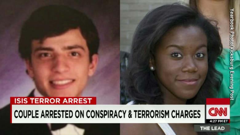 """أمريكية اعتنقت الإسلام حديثا تعترف بمحاولتها السفر للانضمام لـ""""داعش"""" في سوريا مع خطيبها تحت ستار قضاء شهر العسل"""