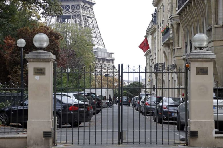 الشرطة الفرنسية تعثر على رأسي خنزير أمام إقامة السفير المغربي
