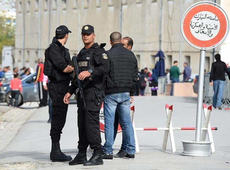 """الحرس التونسي يوقف أربعة منقبات بتهمة """"الانتماء إلى داعش ونشر الفكر المتطرّف"""""""