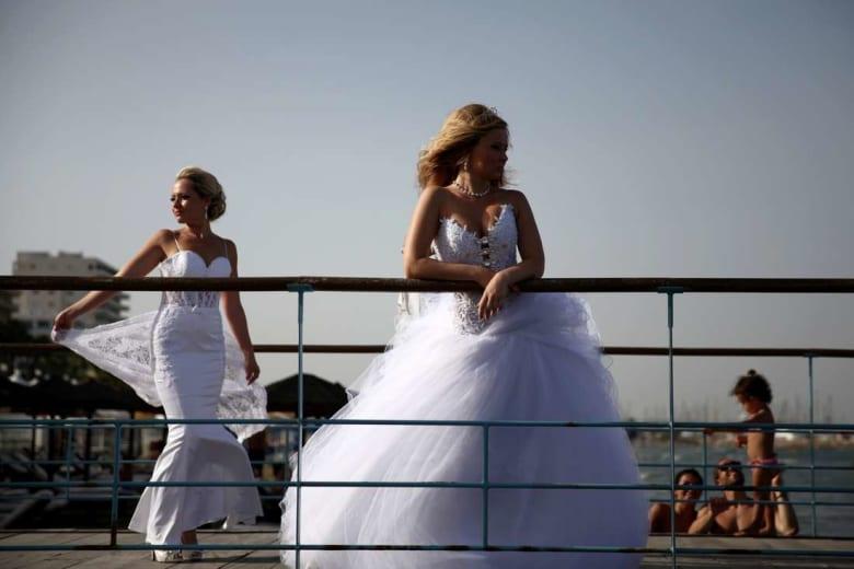 اعتراضًا على ارتفاع تكاليفه.. حملة افتراضية تدعو التونسيين للزواج بأجنبيات
