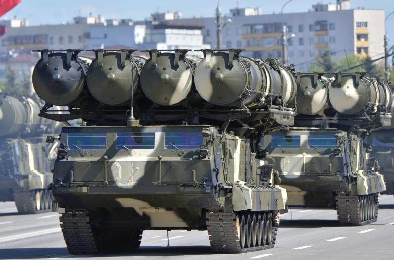"""تسليح روسيا لإيران يستمر: وصول شحنة منظومات """"S-300"""" الصاروخية وتوقعات لشراء مقاتلات """"SU-30"""""""