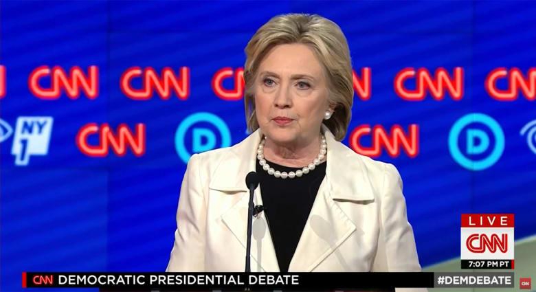 بمناظرة CNN للمرشحين الديمقراطيين.. كلينتون تبين كيف ساعدت أمريكا الشعب الليبي