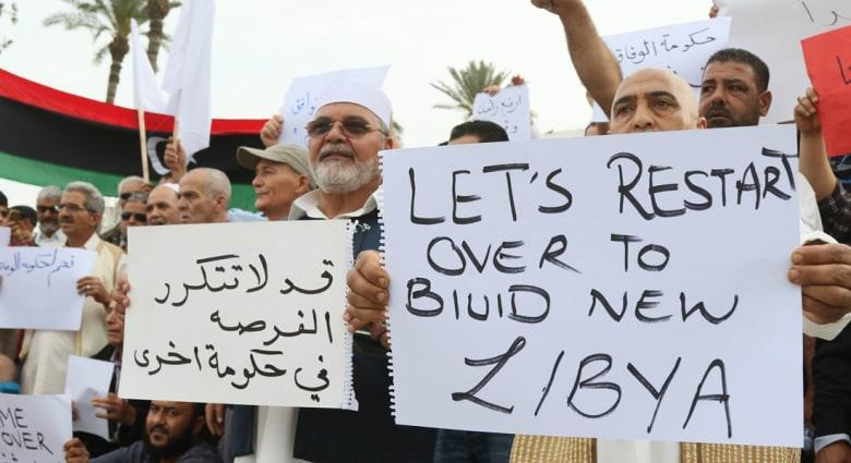 هل تَصدق نبوءة القّذافي إذا ما أقرّ الغرب التدخّل العسكري في ليبيا؟