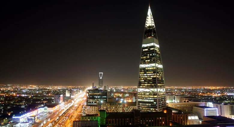 محللون يبينون لـCNN كيف ستتأثر السعودية وشخصيات بالمملكة إذا نفذت الرياض تهديدها ببيع أصولها بأمريكا
