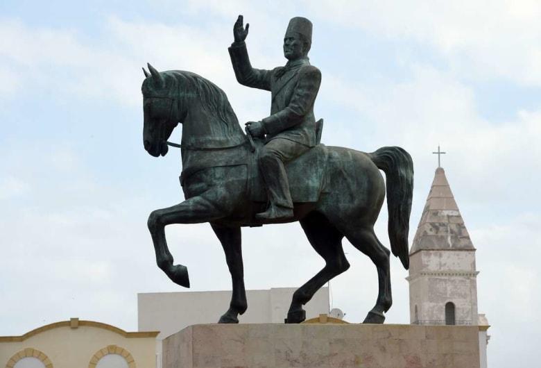 قبل أسابيع من عودة تمثاله إلى وسط العاصمة.. تحف تخص بورقيبة تتعرّض للسرقة