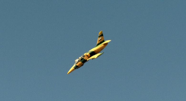 داعش يعلن اسقاط طائرة مقاتلة سورية وأسر طيارها