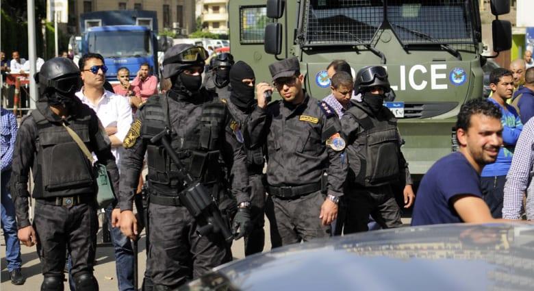 """""""مصر مش للبيع"""": الاعتقالات محاولة لضرب احتجاجات 25 أبريل.. وصباحي: كفاية ظلم"""