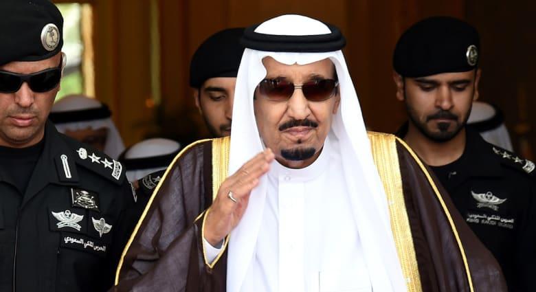 """الملك سلمان يأمر بإعفاء وزير المياه والكهرباء من منصبه.. ومغردون: """"الحين الواحد يقدر يتروش"""""""