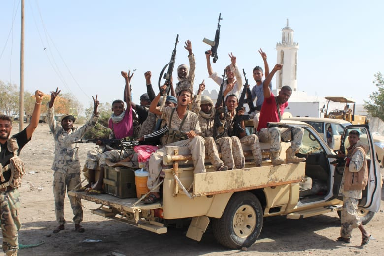 التحالف العربي يعلن شن حملة عسكرية ضد القاعدة باليمن بمشاركة قوات سعودية وإماراتية.. ومقتل أكثر من 800 عنصر للتنظيم