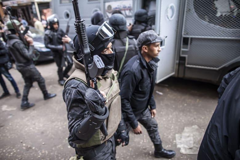 """مصر: مقتل 8 ضباط أمن بملابس مدنية.. وداعش يتبنى المسؤولية: """"وحدة أمن جنود الخلافة"""" نفذت الهجوم"""