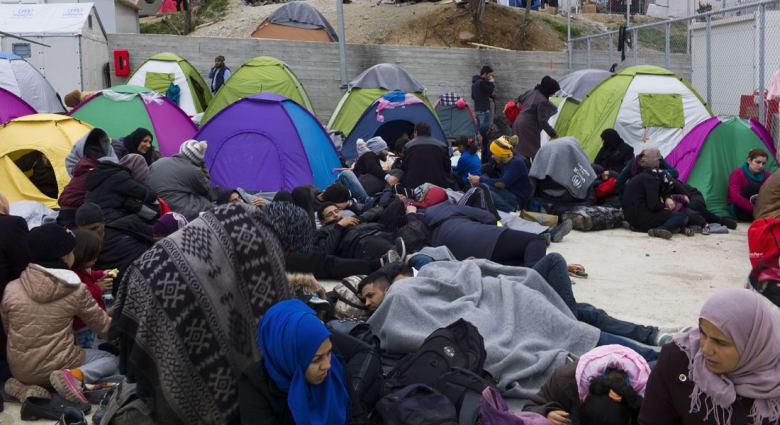 الإمارات تبدأ إنشاء مخيم للاجئين السوريين في اليونان