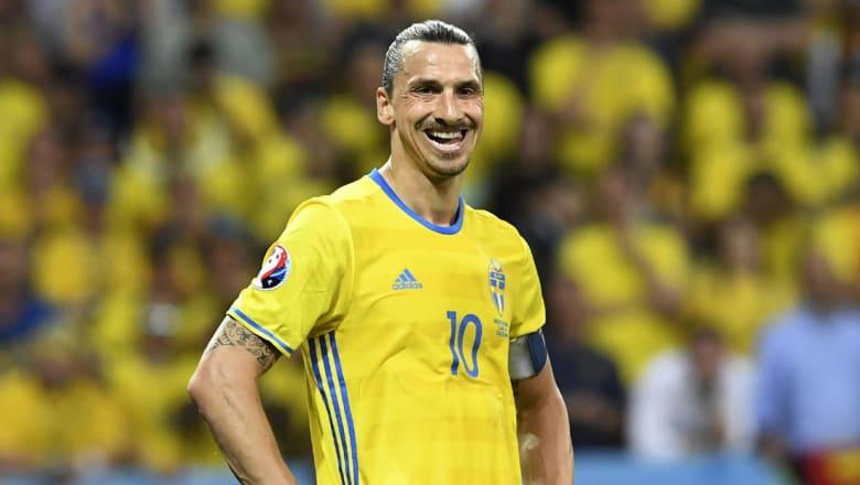 إبراهيموفيتش يعلن عن انتقاله إلى مانشستر يونايتد