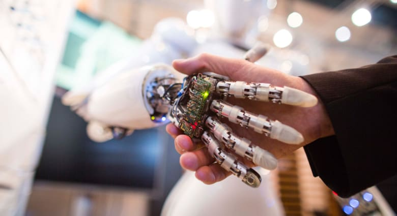إلون موسك ومجموعة من عمالقة التكنولوجيا يستثمرون مليار دولار بالذكاء الاصطناعي