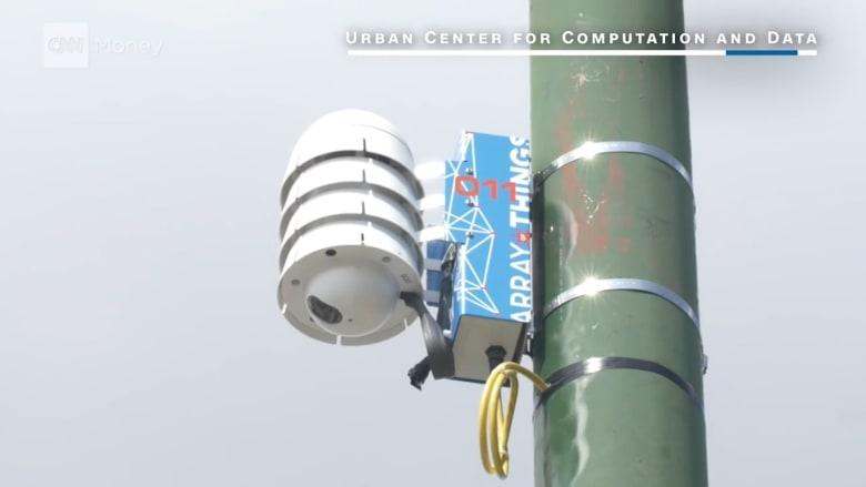 لماذا تنشر شيكاغو المئات من أجهزة الاستشعار في المدينة؟