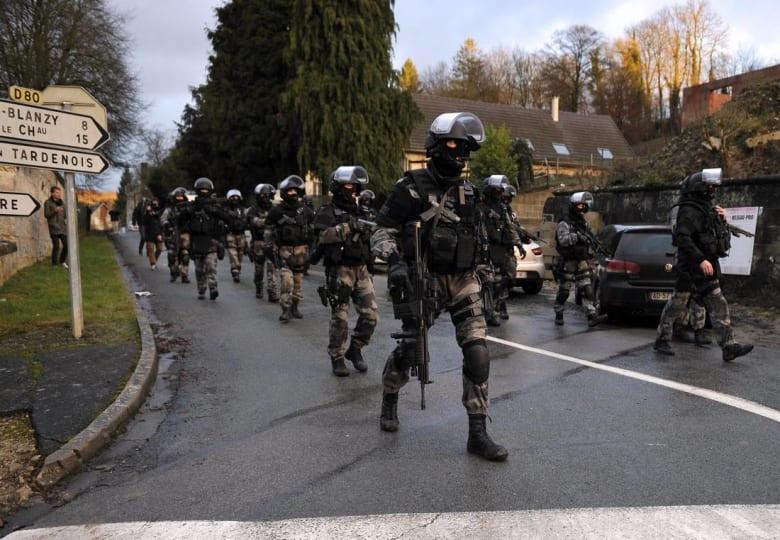 الأمن الفرنسي يعتقل مراهقا بسبب إنذار كاذب خلّف رعبًا واسعًا