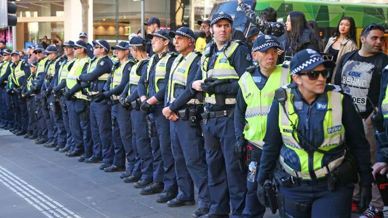 """الشرطة الأسترالية تلقي القبض على مراهقيْن لصلتهما بـ""""داعش"""""""