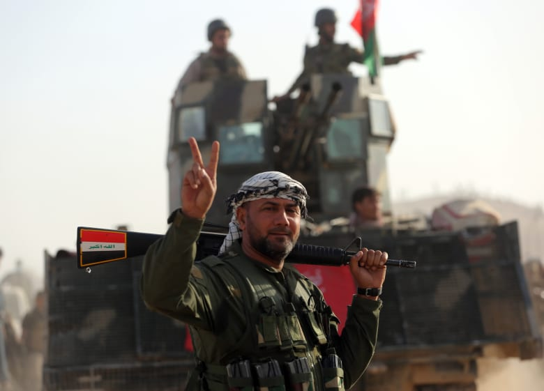 القوات العراقية تحرر بلدة بزوايا.. وشهود عيان: مقتل 5 مسؤولين بداعش بالموصل