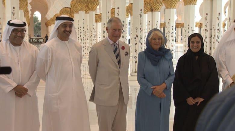 ولي عهد بريطانيا وزوجته يزوران مسجد الشيخ زايد