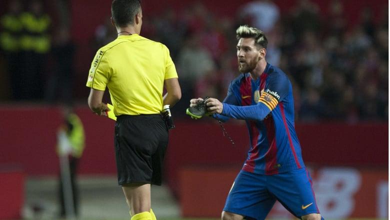 برشلونة يهزم إشبيلية في مباراة متقلبة ويقلص الفارق مع الريال