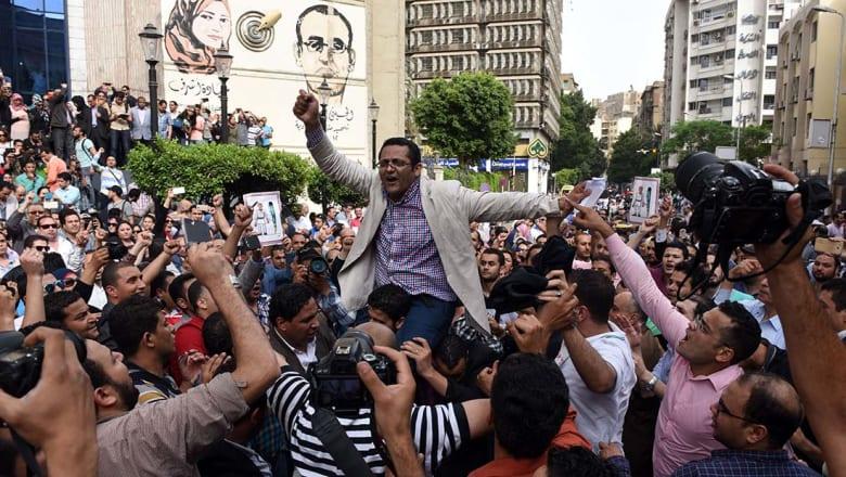 البلشي وعبدالرحيم لـCNN: حكم الحبس قاس.. ولن يلهينا عن القضايا الرئيسية في مصر