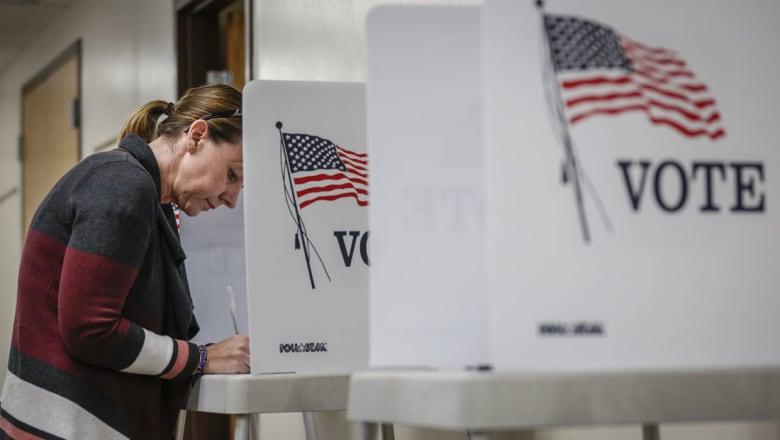 خبراء كمبيوتر ينصحون كلينتون بالطعن في الانتخابات بحجة التلاعب