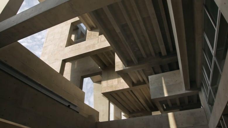 هذا المبنى الفائز بالجائزة الأولى في عالم العمارة للعام 2016