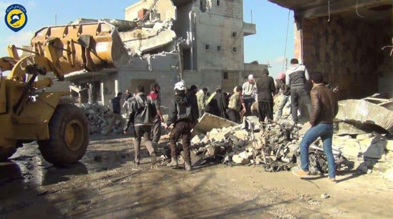 """سوريا.. """"الخوذ البيضاء"""": مقتل 36 مدنياً إثر 49 غارة في إدلب"""