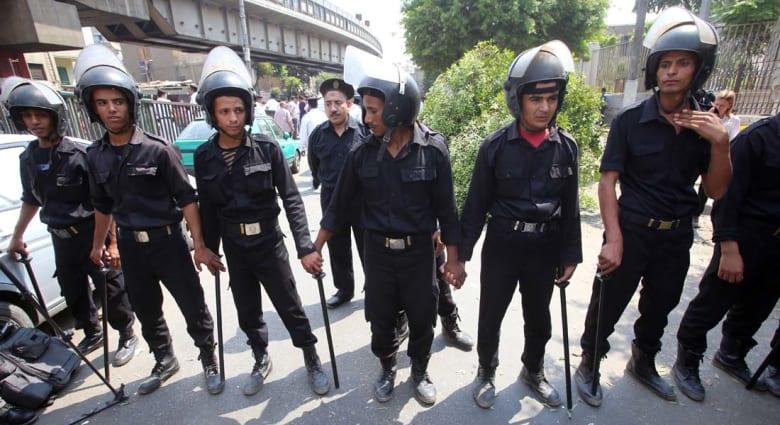 مصر.. مقتل 6 من عناصر الشرطة إثر تفجير استهدف دورية أمنية قرب مسجد السلام في الجيزة
