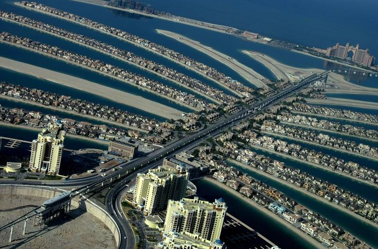 """الدفاع المدني في دبي لـCNN: لا إصابات إثر حريق مبنى """"أوشيانا"""" في جزيرة النخلة"""