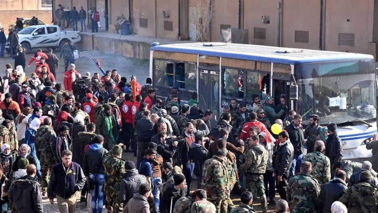 تركيا: إجلاء 20 ألف شخص من شرق حلب