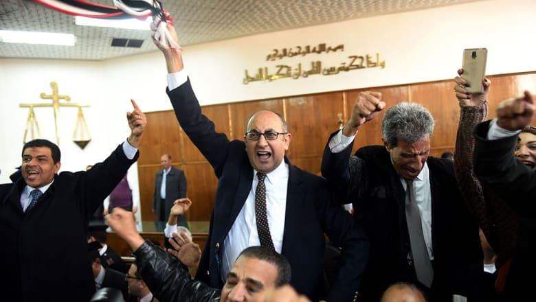 سياسيو مصر يعلنون سقوط اتفاق الحدود مع السعودية ويطالبون باستقالة شريف