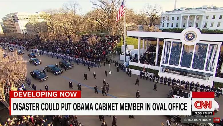أوباما وترامب وأرفع مسؤولي أمريكا بمكان واحد.. من يرأس واشنطن إذا وقع الأسوأ؟