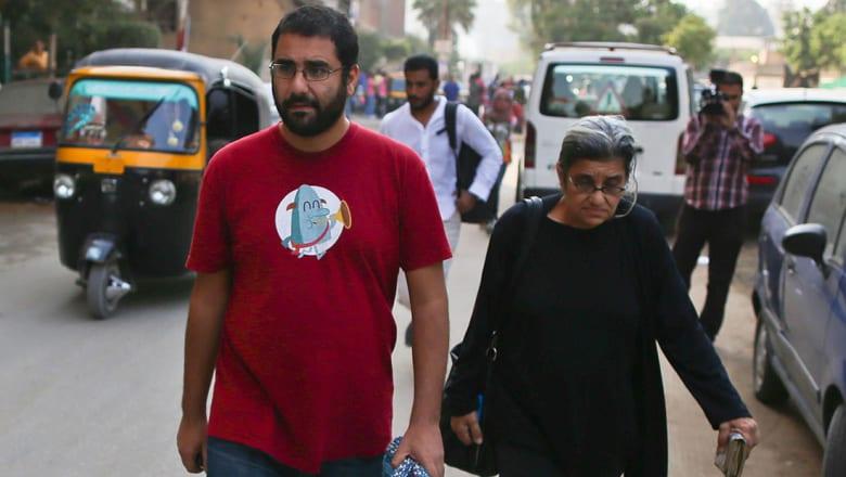 ليلى سويف لـCNN: علاء عبدالفتاح يدفع ثمن فشل ثورة 25 يناير.. وهذا ما سيفعله بعد خروجه من السجن