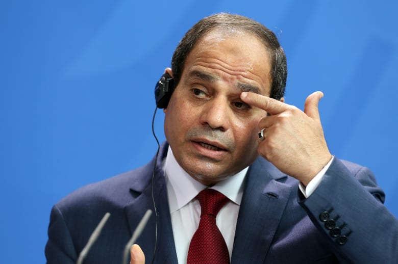 السيسي يتناول الأوضاع الاقتصادية ويطالب المصريين الوقوف بجانب مصر 6 أشهر فقط