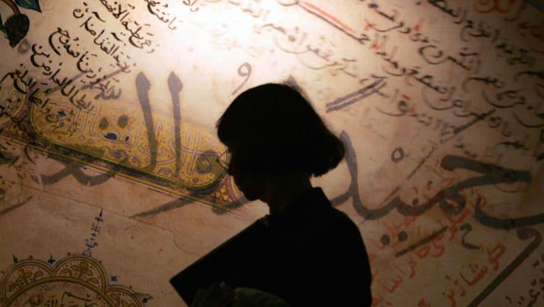 مؤلفات للشيعة تثير أزمة بمعرض الكتاب بمصر.. وباحث شيعي لـCNN: تحريض