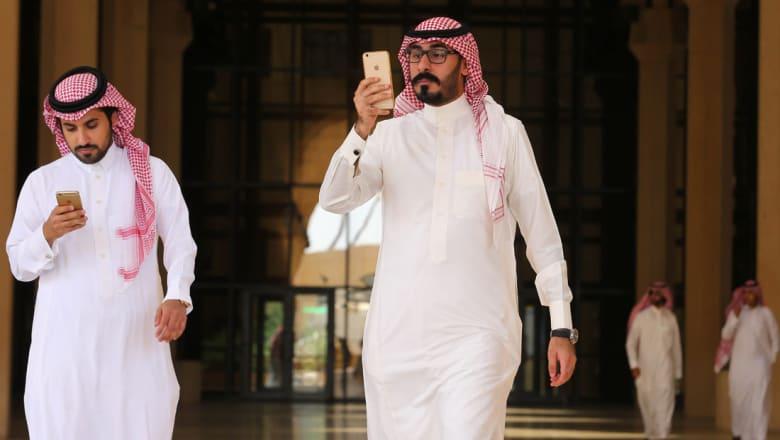"""سلمان الأنصاري يكتب لـCNN: على السعوديين أن يشمروا عن سواعدهم لاقتناص فرص """"الطفرة الذكية"""""""