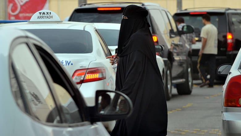 هيئة النقل السعودية: التعرف على هوية سائق أجنبي سب السعوديات.. ومعاقبة الشركة